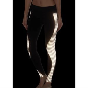 Alo Yoga - Reflective Leggings